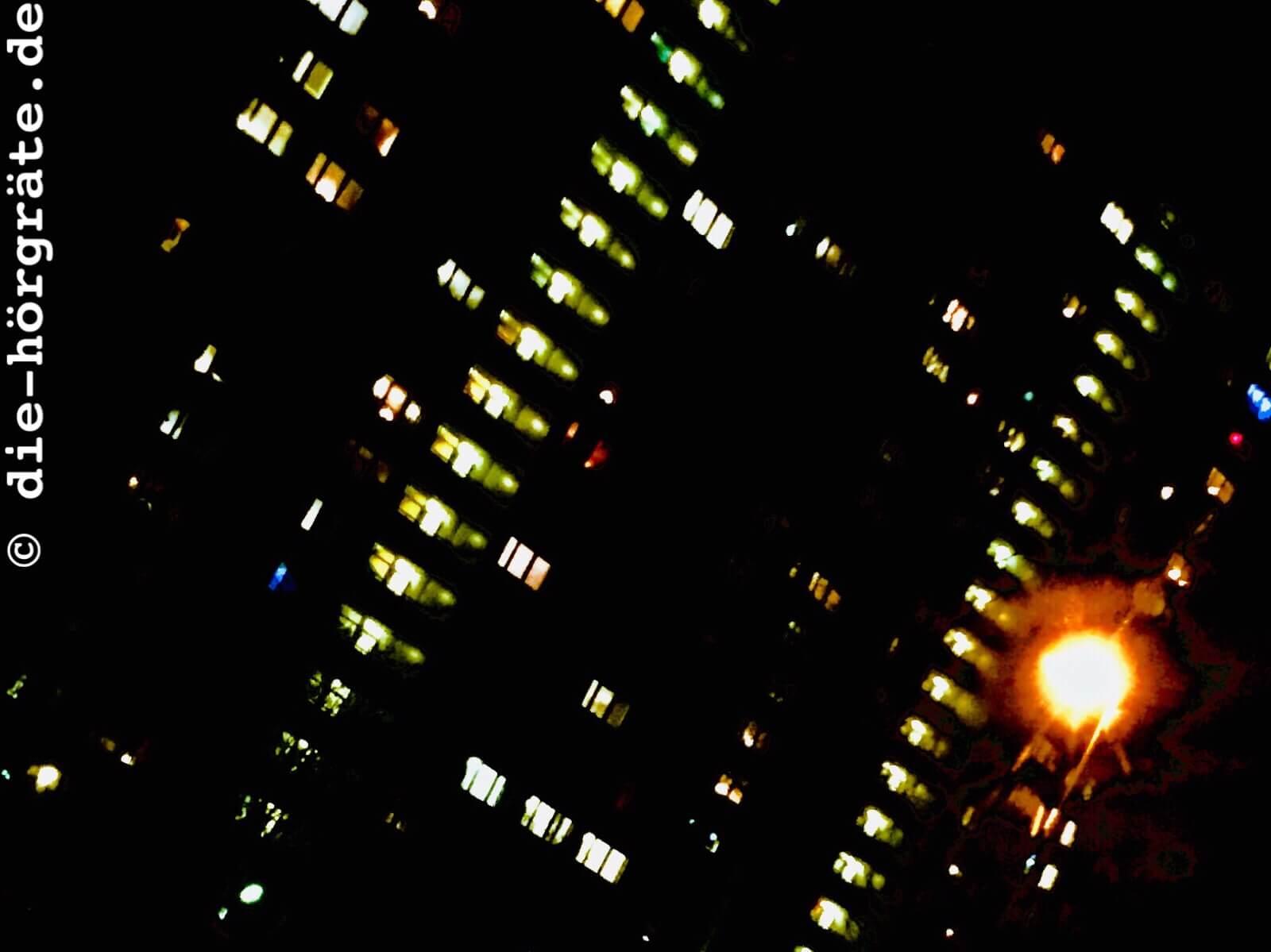Hochhaus bei Nacht