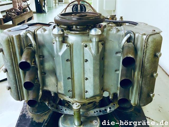 Motor Rennmotorboot