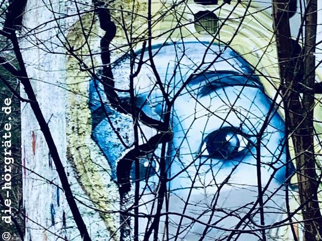 Graffito mit ängstlichen Augen