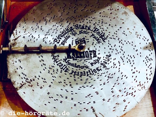 alte Schallplatte aus Blech