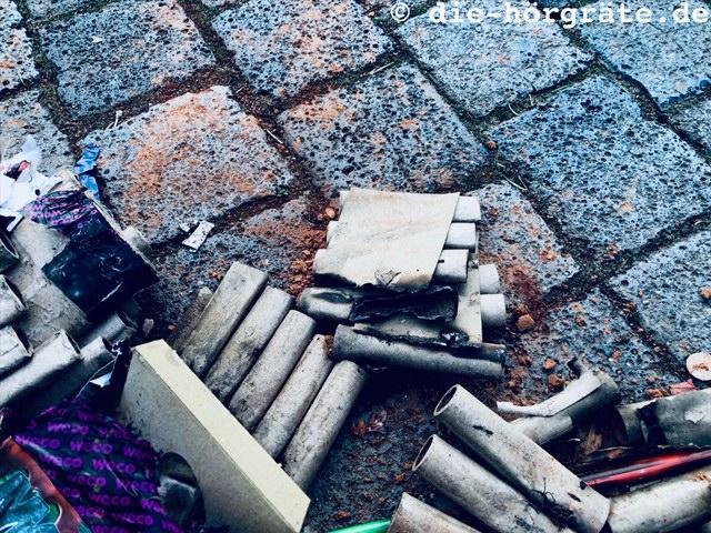 Reste von Feuerwerkskörpern