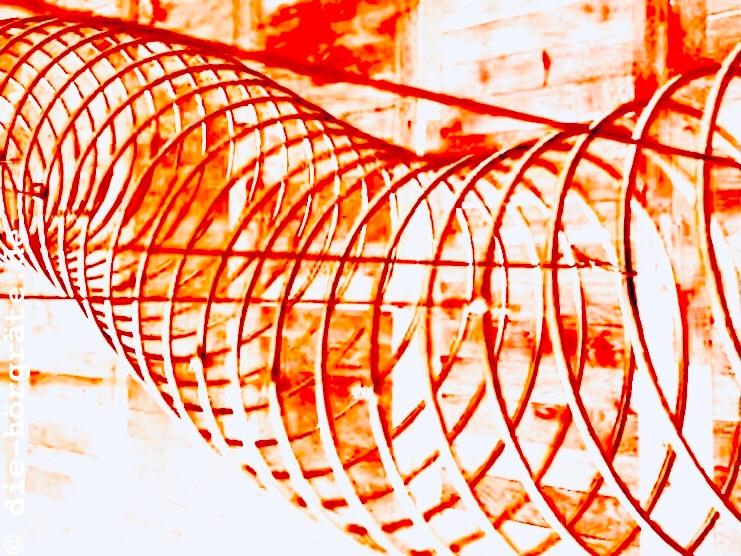 Schwingungen einer horizontal gelagerten Stahlfeder